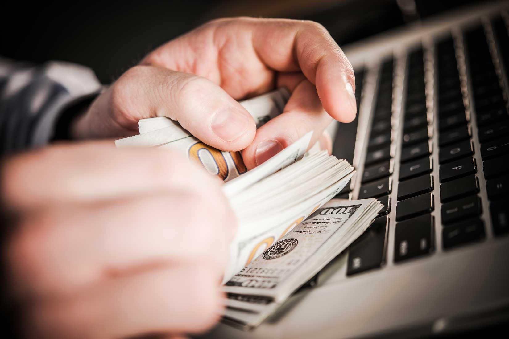 Vydělávání peněz přes internet